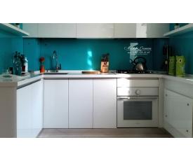 Оформление кухни стеклом DecoCristal фото